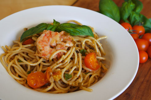 A Fond Farewell to Summer: Spicy Garlic Pasta with Shrimp and Heirloom Cherry Tomatoes Recipe